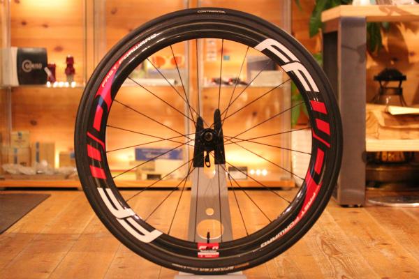 ロードバイクパーツのタイヤの買取りを査定する際の特徴