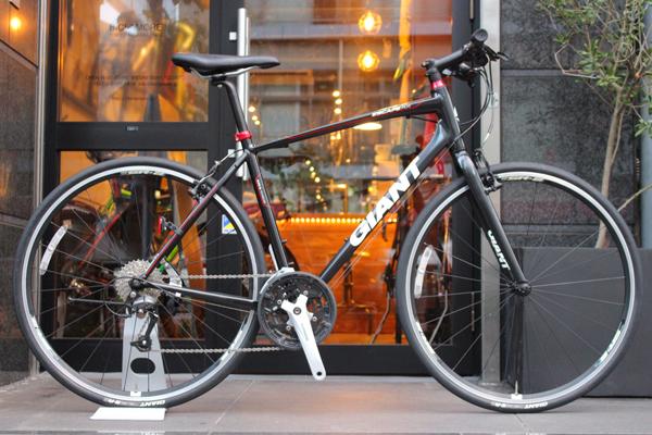 街乗りの大定番!軽量快適なGIANT ESCAPE RS エスケープが大特価!!! | ロードバイクを売るなら買取・売却のプロ【BICI AMORE】